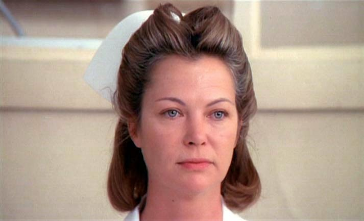 Miss Ratched interpretata da Louise Fletcher.