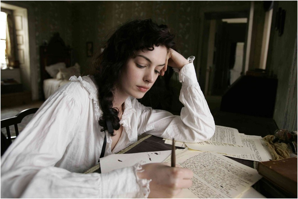 "Anne Hathaway interpreta Jane Austen nel film ""Becoming Jane- Ritratto di una donna contro"" (2006)"