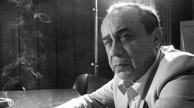 """""""Un'idea morta produce più fanatismo di un'idea viva; anzi, soltanto quella morta ne produce. Poiché gli stupidi, come i corvi, sentono solo le cose morte."""""""