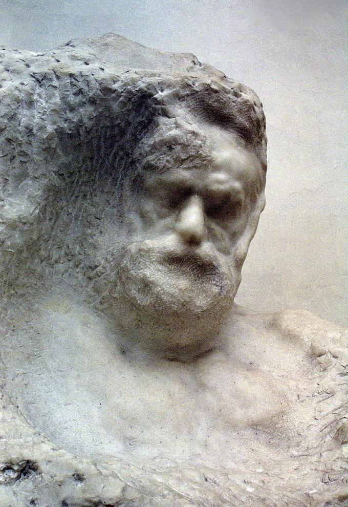 Ritratto di Victor Hugo, scultura in marmo di Auguste Rodin.