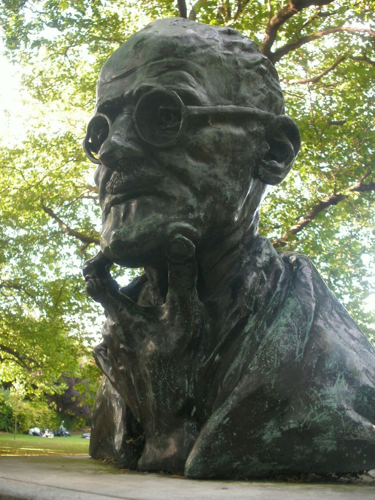 Statua di James Joyce al St. Stephen's Green, Dublino