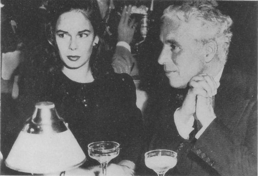 Charlie Chaplin insieme alla moglie Oona O'Neill