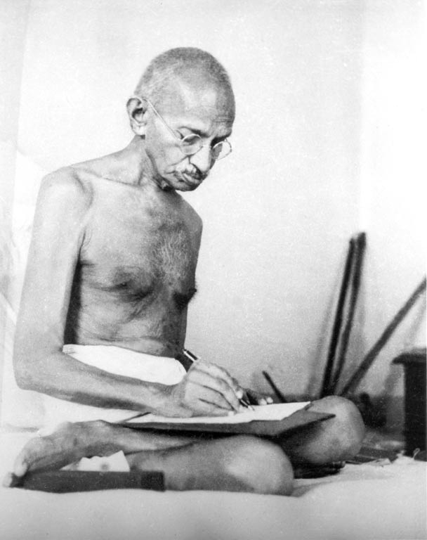 Gandhi Biografia Pensiero Citazioni Frasi