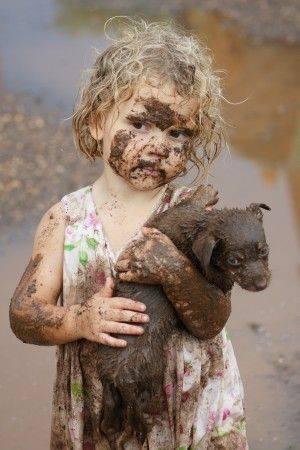 Lasciate entrare il cane coperto di fango, si può lavare il cane e si può lavare il fango... Ma quelli che non amano né il cane, né il fango... Quelli no... Non si possono lavare. _ Jacques Prévert _