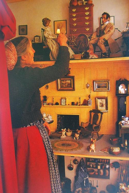 Tasha e la sua casa delle bambole