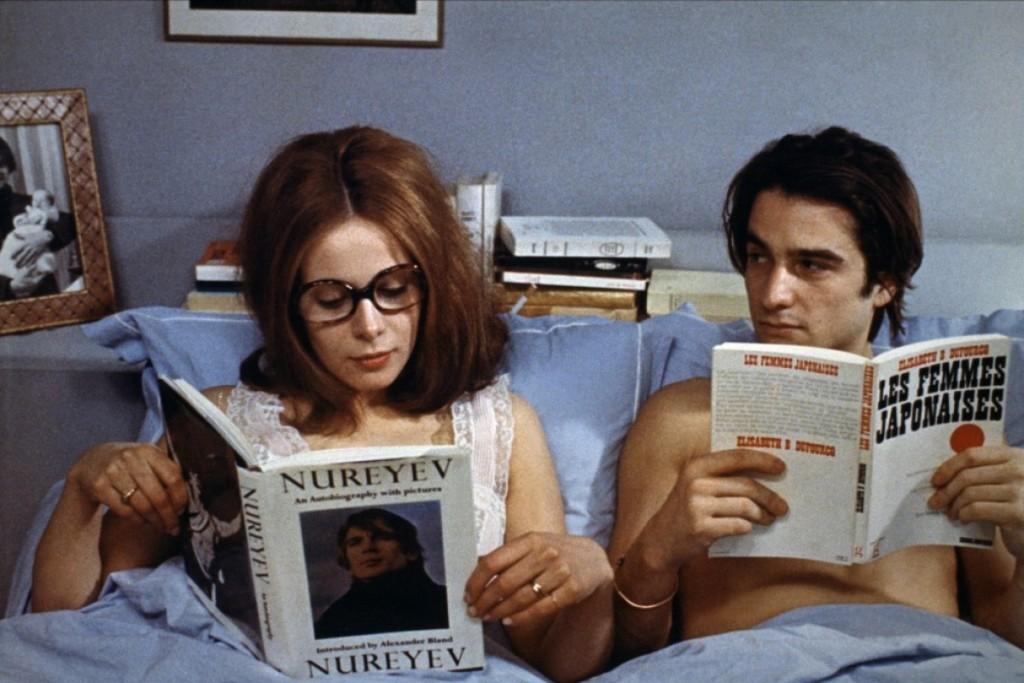 """Una scena del film """"Non drammatizziamo...è solo questione di corna"""", 1970."""