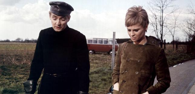 """Una scena del film """"Fahrenheit 451"""" (1966)."""