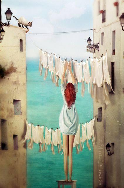 Non è che non ci provi a mettermi nei panni altrui, ma a volte l'arroganza mi veste troppo larga, la superficialità ha il cavallo troppo basso e per quanto mi sforzi, non riesco davvero a indossare magliette ipocrisia. _ Michelangelo Da Pisa _ Illustrazione di Marta Orlowska.