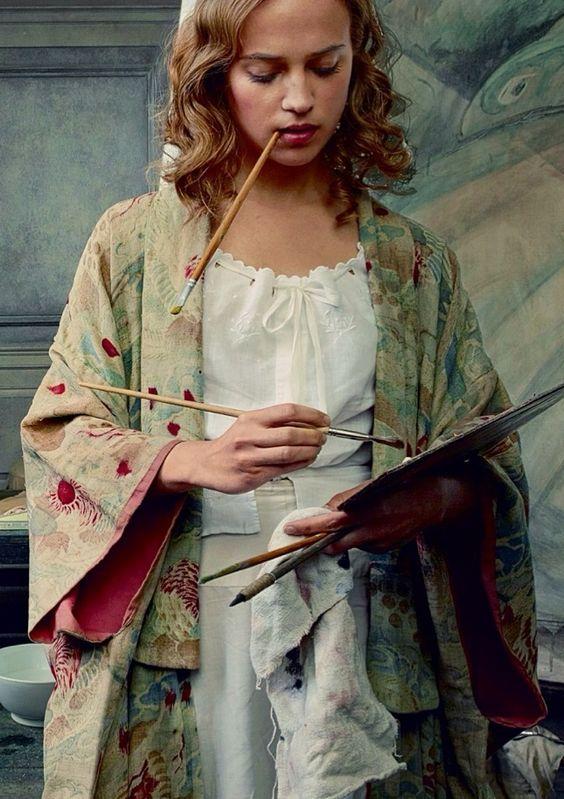 Capisci che stai bene quando non ti interessa dimostrarlo a nessuno. (Cit.) Alicia Vikander by Annie Leibovitz for Vogue US, October 2015.