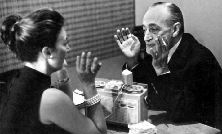 Forse vi sono momentini minuscolini di felicità, e sono quelli durante i quali si dimenticano le cose brutte. La felicità, signorina mia, è fatta di attimi di dimenticanza. Totò a Oriana Fallaci, 1963. Immagine reperita nel web
