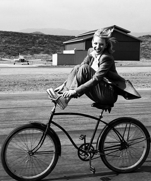 Non tutti si meritano di vedere il tuo lato scemo. @ fairyfrat Fotografia di Henri Cartier-Bresson