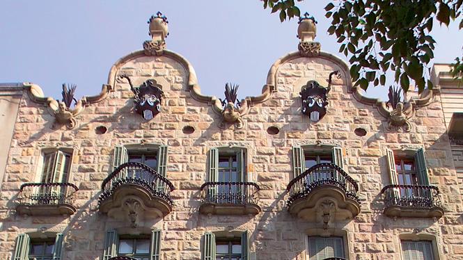 """Casa Calvet"", ultimata nel 1904."