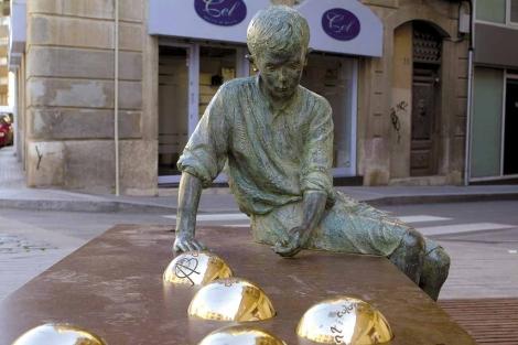Reus. Monumento dedicato ad Antoni Gaudí.