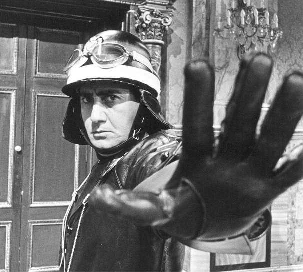 """""""Il vigile"""" (1960) diretto da Luigi Zampa."""