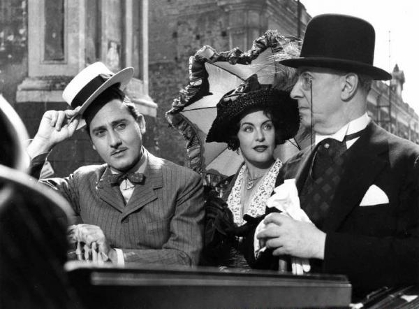 """""""L'arte di arrangiarsi"""" (1954) diretto da Luigi Zampa, selezionato tra i cento film italiani da salvare."""