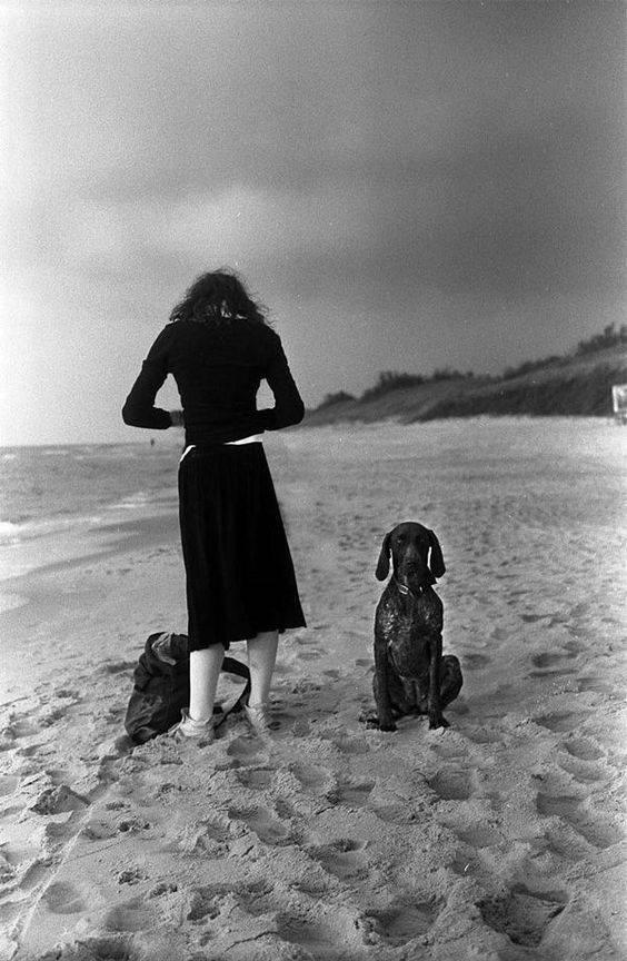 Per guardare bene, bisognerebbe imparare a diventare sordomuti. Henri Cartier-Bresson.