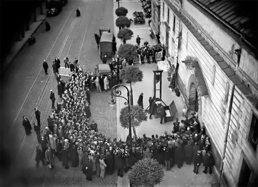 L'ultima esecuzione pubblica con la ghigliottina, 1939. rarehistoricalphotos