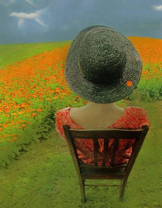 Ora, mi sento come se stessi aspettando qualcosa che so non arriverà mai, perché adoro illudermi e sperare, ti senti più vivo mentre lo fai. _ Charles Bukowski _ Immagine reperita nel web.