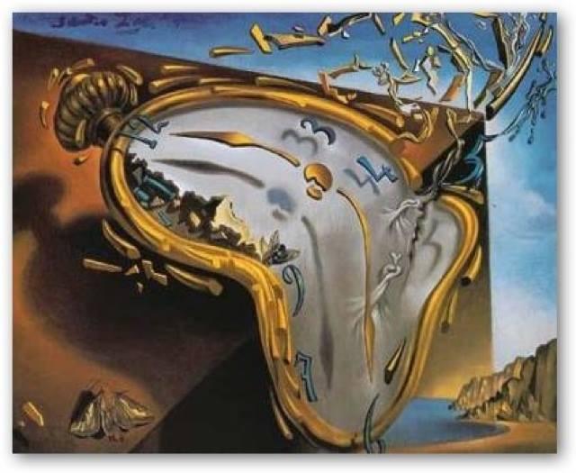 """""""Cosa faresti se avessi tutto questo tempo su quell'orologio?"""" """"Smetterei di guardarlo. Ma se avessi tutto quel tempo non lo sprecherei."""" Justin Timberlake - """"In Time"""", 2011. Tributo a Salvador Dalì. """"Orologio molle al tempo della prima esplosione"""", Orlando Cristiani."""