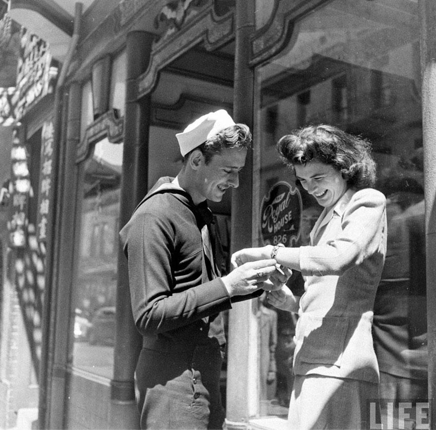 Un regalo per la fidanzata. California, 1943. Meith Hagel