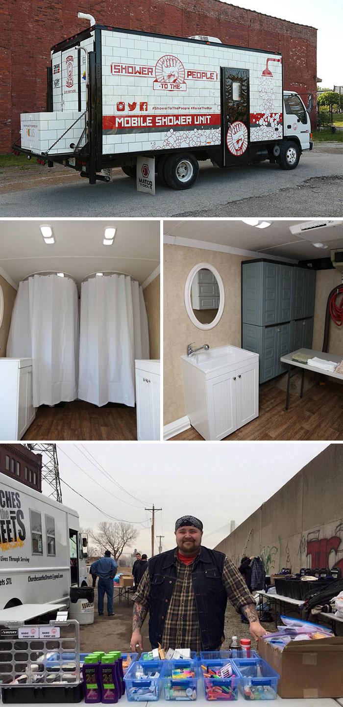 Un uomo ha trasformato il suo vecchio furgone in una doccia mobile per i senzatetto e restituir così loro un po' di dignità.